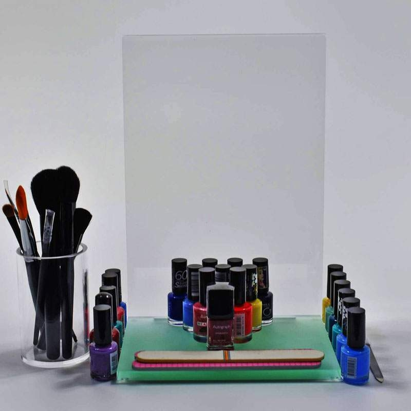 Glorifiers & Cosmetic Stands